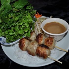 N°70 : Nem Nuong avec boulettes de porc