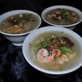 S4 : Soupe de pâte de riz aux viandes variées