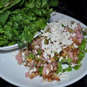 N°58 : Salade de riz croustillant au porc fermenté